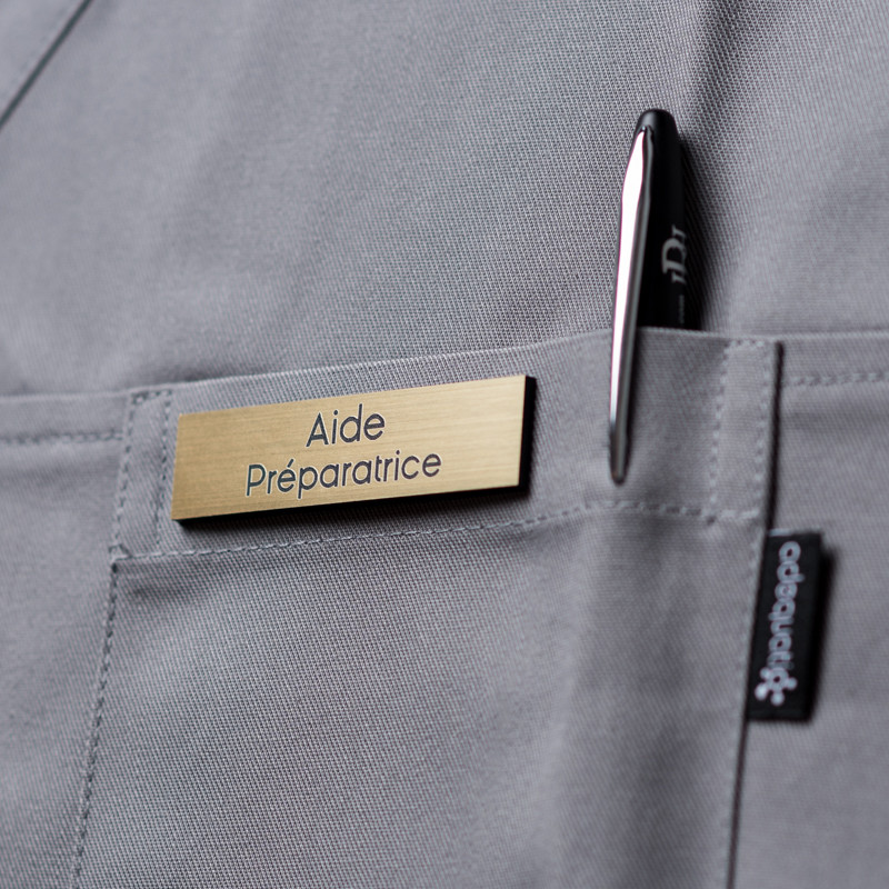 Dès 9,90€ - Optez pour Badge magnétique d'aide préparatrice - Or