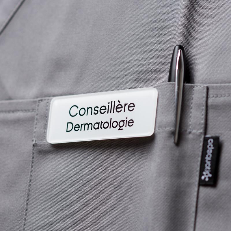 Badge magnétique de conseillère dermatologie - Blanc