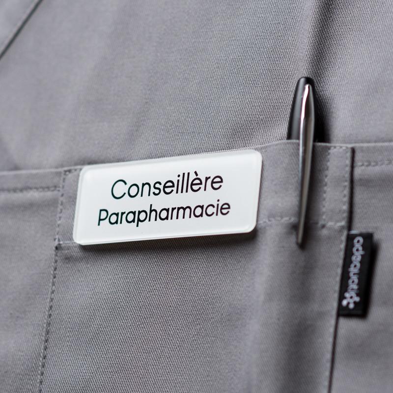 Badge magnétique de conseillère parapharmacie - Blanc